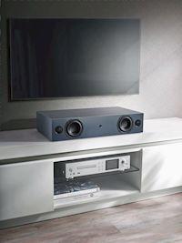 Rundum-Glücklich-Klangpaket: Diese Soundbar sorgt auf kleinstem Raum für klangstarken Film- und Fernsehgenuss und ist auch als kompakte Musikanlage einsetzbar.