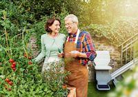 Dem Garten ist das Alter egal - Wie man mit einem Außenlift noch lange Freude an seinem Garten hat